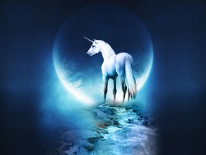 Abrazada a la energía de la Luna y el Tarot